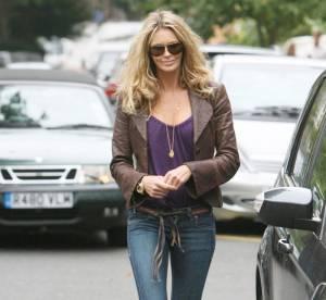 Elle Macpherson, nature mais classe en jean et cuir...