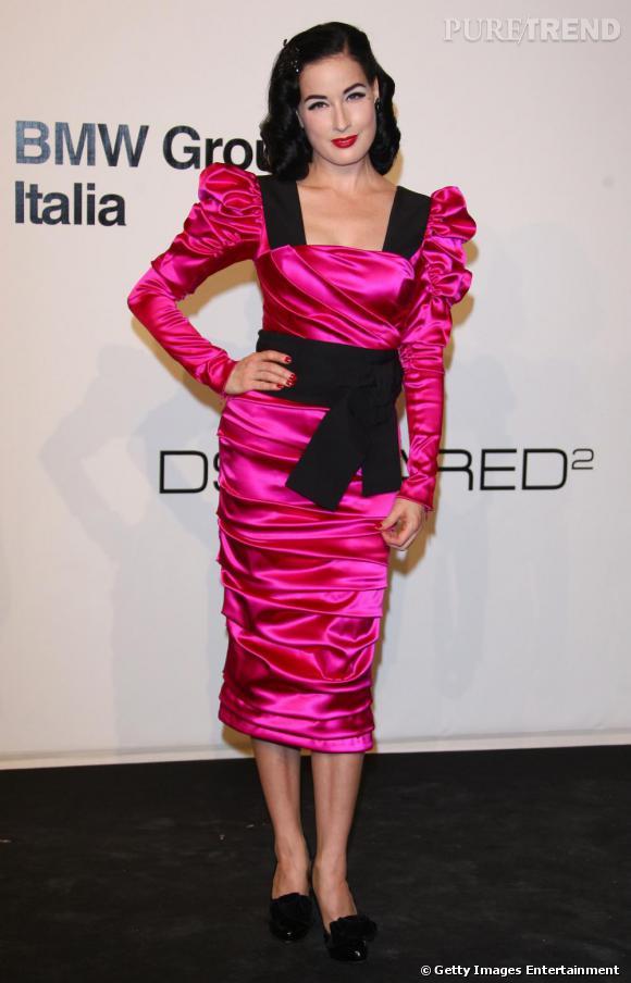 Dita Von Teese sur le tapis rouge de L'amfAR à Milan