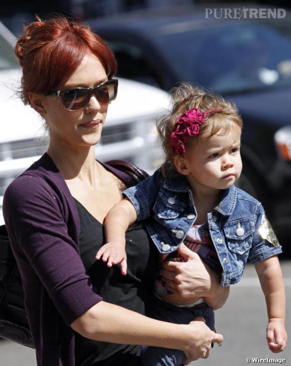 Jessica Alba dans les rues de Los Angeles avec sa fille