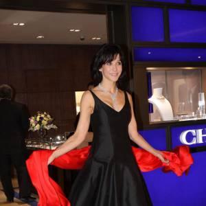 Lors d'une soirée Chaumet, la belle a enfilé une robe noire. Une valeur sûre pour briller en soirée, notamment si on l'associe à une magnifique rivière de diamants.