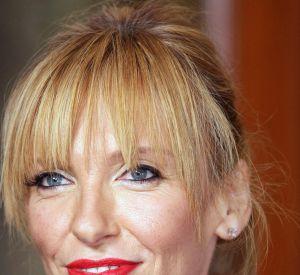 Toni Collette a opté pour un maquillage plus flashy qu'à son habitude.