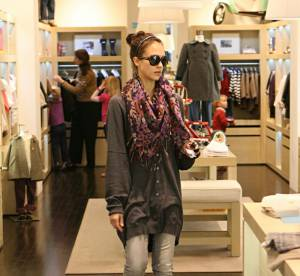 Jessica Alba fait son shopping en mode cocooning !