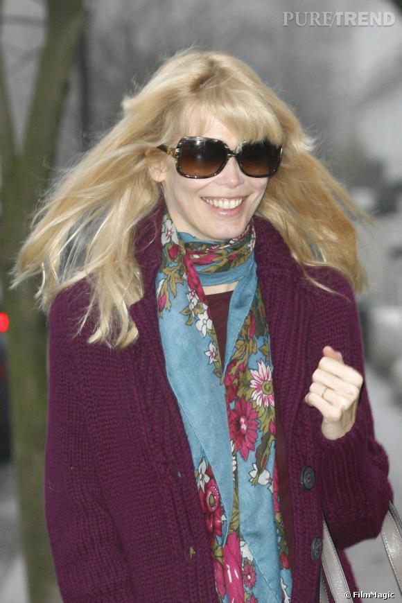 Claudia Schiffer dans les rues de Londres