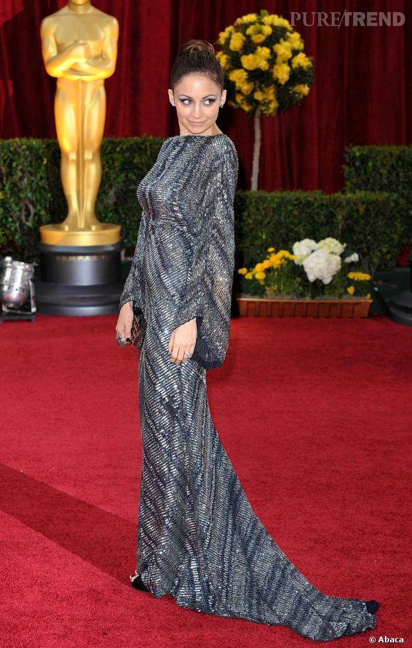 Nicole Richie dans un sublime fourreau d'inspiration seventies