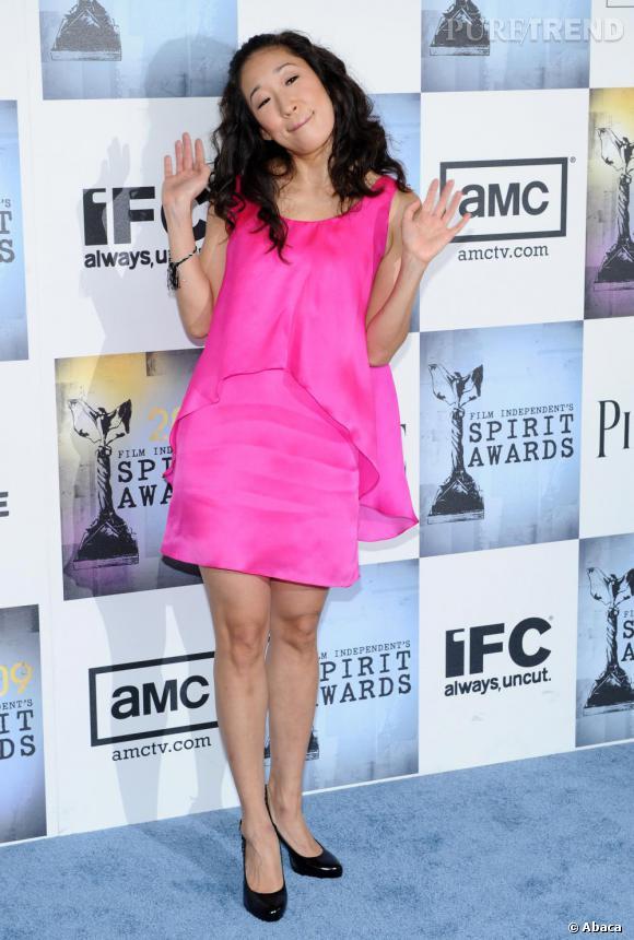 Sandra Oh délaisse la blouse de  Grey's Anatomy  pour jouer à la poupée.