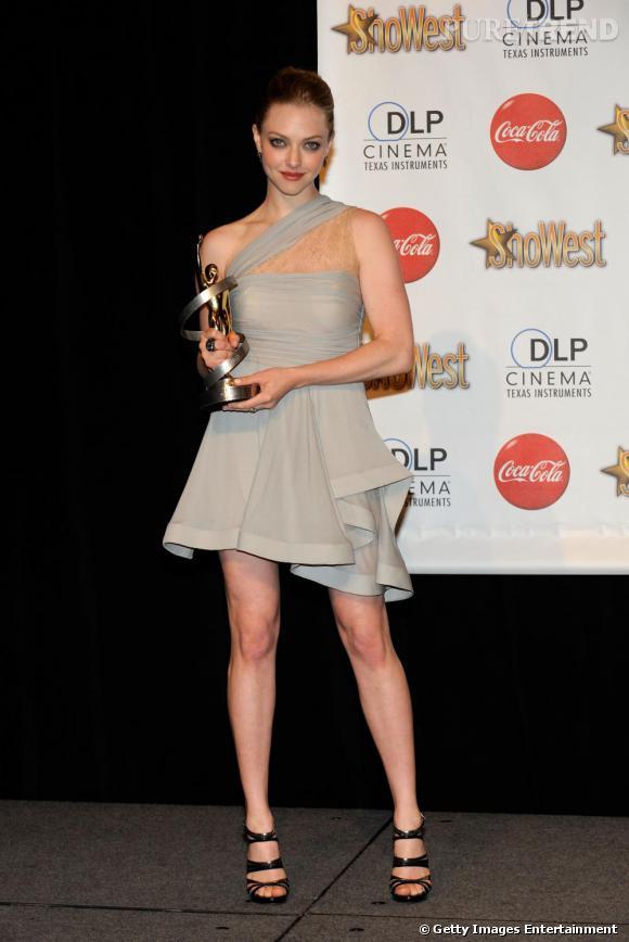 Amanda Seyfried en robe volantée au ShoWest Awards