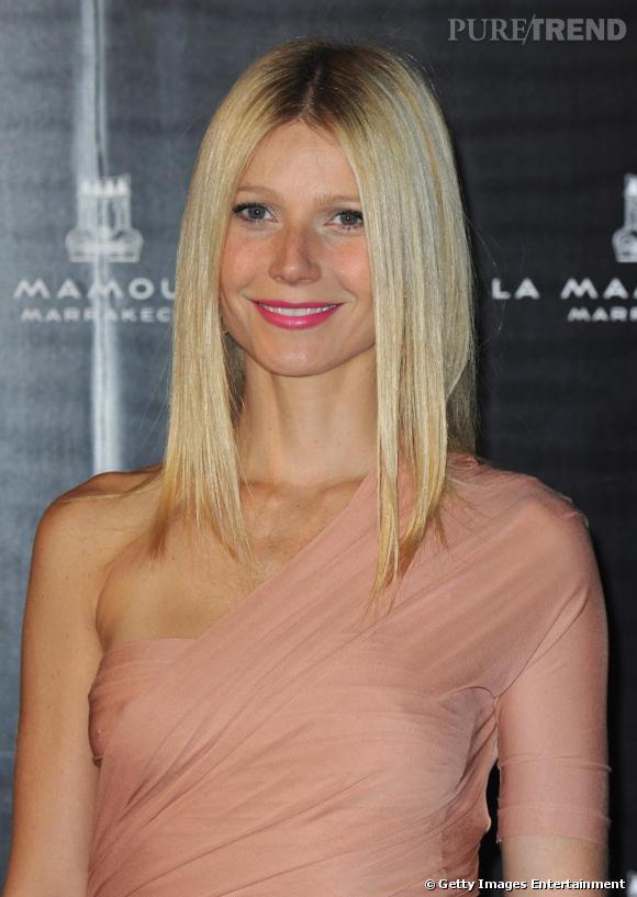 La version glamour de Gwyneth Paltrow, lèvres fuchsia et robe nude