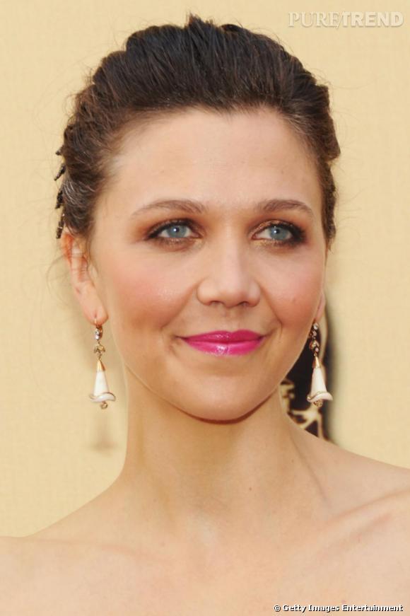 Fuchsia sur tapis rouge pour les Oscars avec Maggie Gyllenhaal