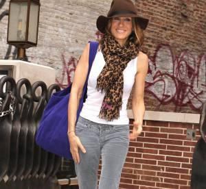 Clemence Poesy vs Sarah Jessica Parker : laquelle porte le feutre avec le plus de style ?