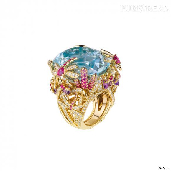 """Bague """"Incroyables et Merveilleuse Libellule"""", Dior Joaillerie       Bague en or jaune, diamants, aigue-marine, améthystes, saphirs roses.    Prix sur demande"""