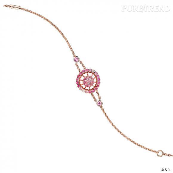 """Bracelet """"Ma Jolie"""", Boucheron       Bracelet en or rose pavé de saphirs roses et diamants.    Prix :  2490€"""