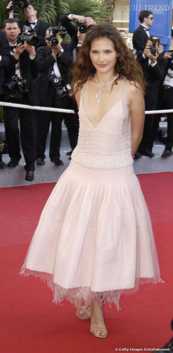 Princesse moderne, Virginie incarne à elle seule tout le romantisme du monde dans cette tenue !