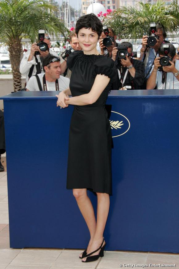Audrey Tautou, au festival de Cannes de 2006, porte une robe noire du créateur David Szeto.