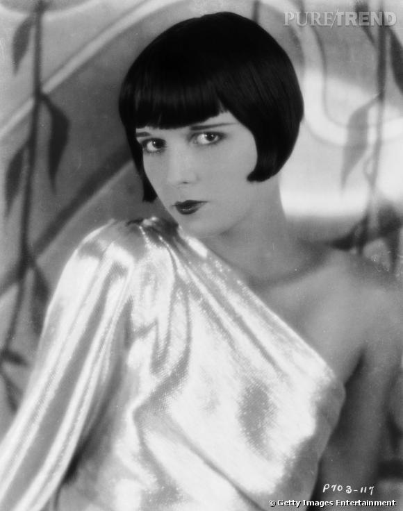 Actrice américaine des années 20, Louise Brooks est une adepte de la coupe cabaret, la frange de pin-up un rien arrondie, le carré très structuré.