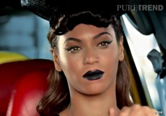 Beyoncé n'échappe pas à la tendance dans son dernier clip  Telephone  aux côtés de Lady Gaga. La crinière de sirène, la frange roulottée comme sa copine VV Brown.