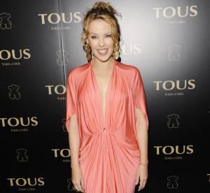Kylie Minogue ose le décolleté vertigineux