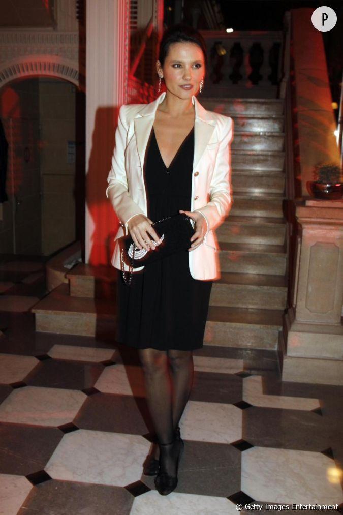 Pour le diner de la mode en faveur du sidaction l 39 actrice for Petite veste de mariage