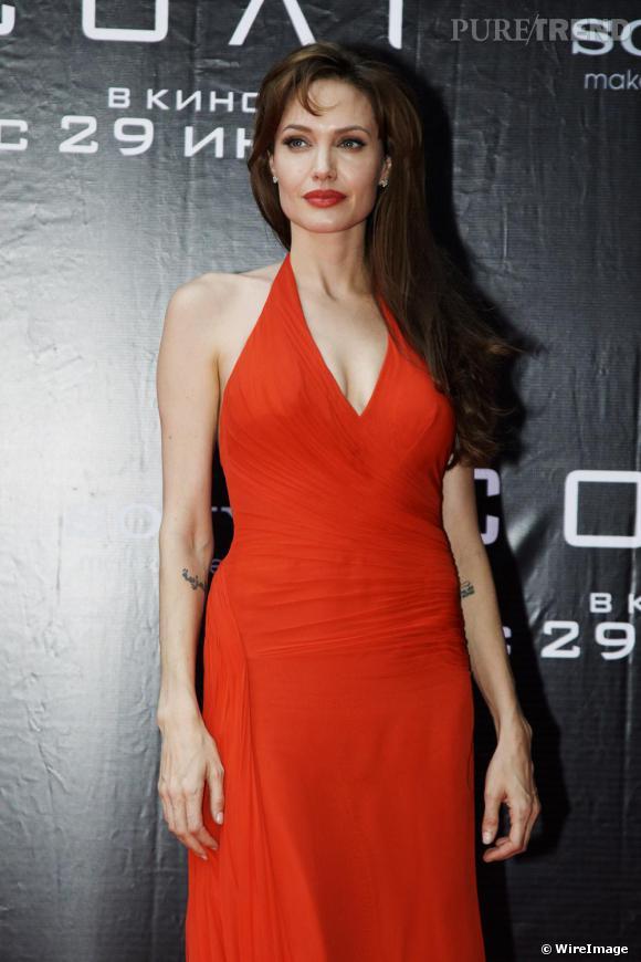 Angelina Jolie à la première moscovite de Salt.