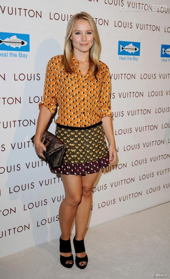 Kristen Bell ose la petite robe inspiration vintage pour un effet très pointu.