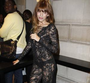 Lou Doillon ose la transparence à la Vogue Fashion Night