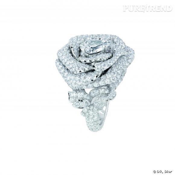 bague la rose dior bagatelle or blanc et diamants dior joaillerie. Black Bedroom Furniture Sets. Home Design Ideas