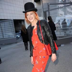 Lors du défilé Sonia Rykiel Automne/Hiver 2010, Micky Green affichait un look coloré de la griffe.