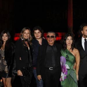 Roberto Cavalli entouré de sa famille.
