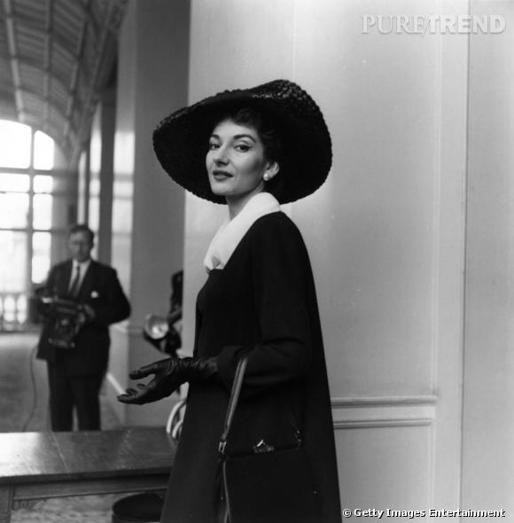 Dans le vanity de Maria Callas Colérique, capricieuse, dôté d'une beauté énigmatique, Maria Callas rassemble tous les critères d'une diva.