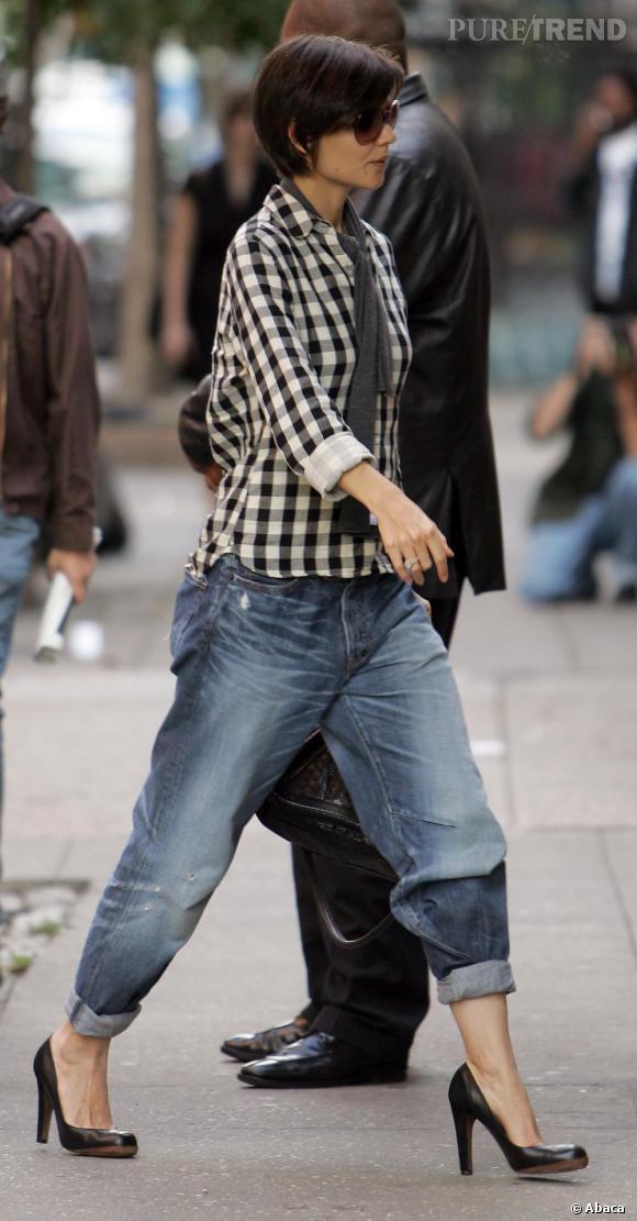 Le Boyfriend   Sa meilleure copine Katie Holmes porte son boyfriend retroussé, avec des escarpins classiques, elle impose la tendance !