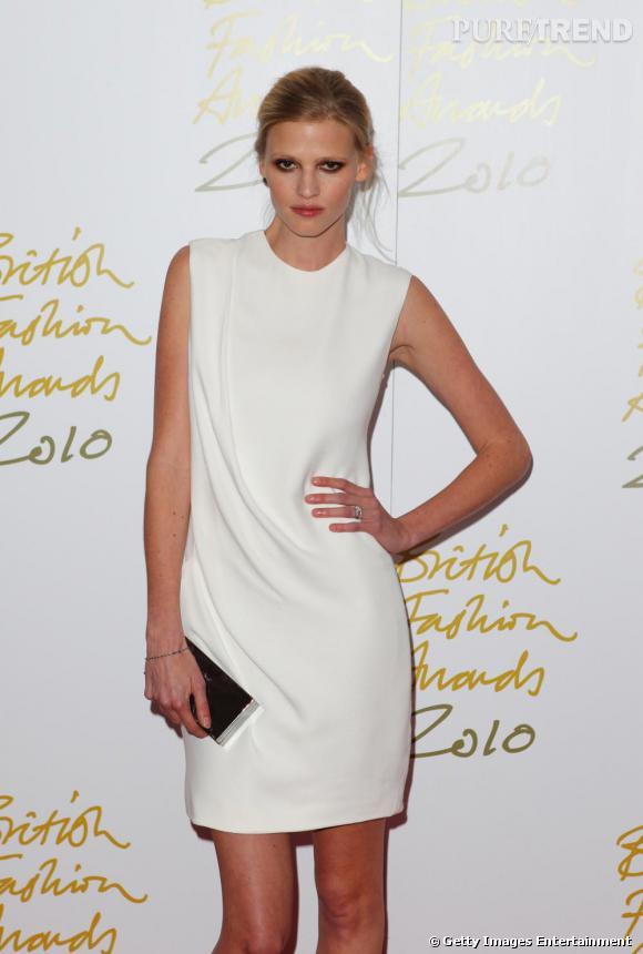 Lara Stone aux British Fashion Awards 2010.