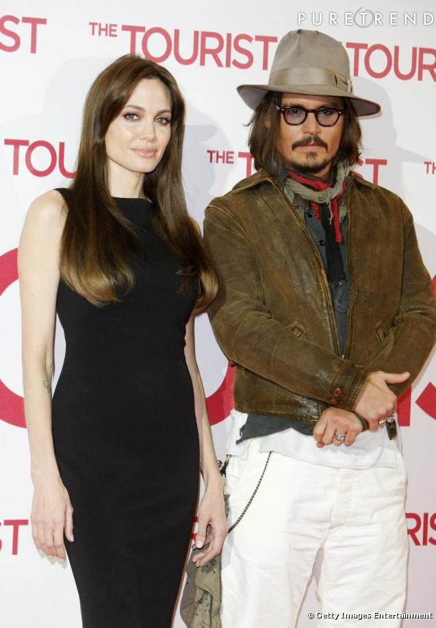 http://static1.puretrend.com/articles/3/48/21/3/@/428421-angelina-jolie-et-johnny-depp-637x0-3.jpg