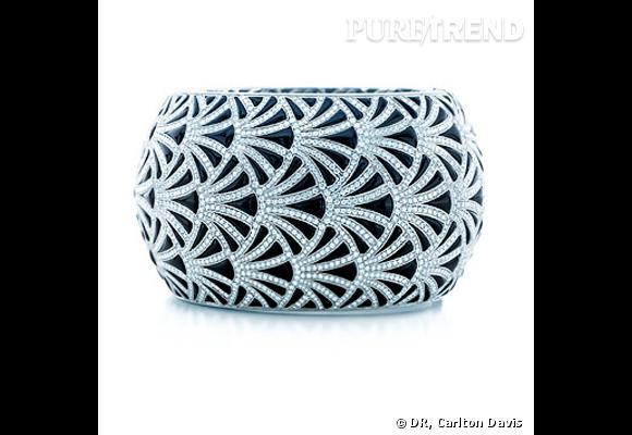 Bracelet Tiffany & Co  Bracelet en onyx et platinium sertis diamants. Prix sur demande.