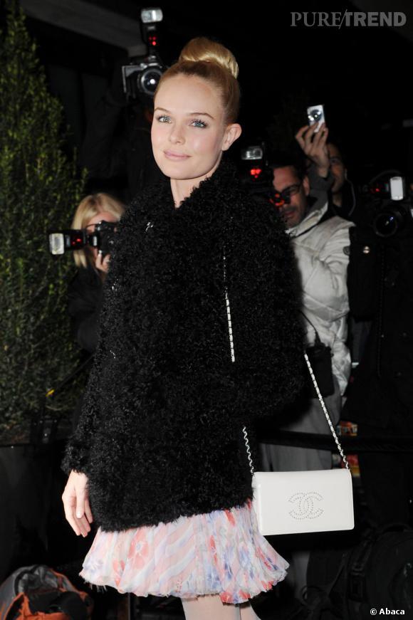 L'allure gracieuse, le collant clair et le chignon sans accroc, Kate Bosworth joue les ballerines avec beaucoup de style.