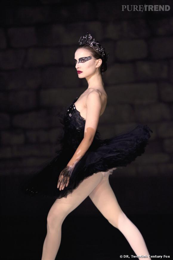 Pour le film  Black Swan , Natalie Portman se glisse dans la peau d'une danseuse en costume Rodarte.