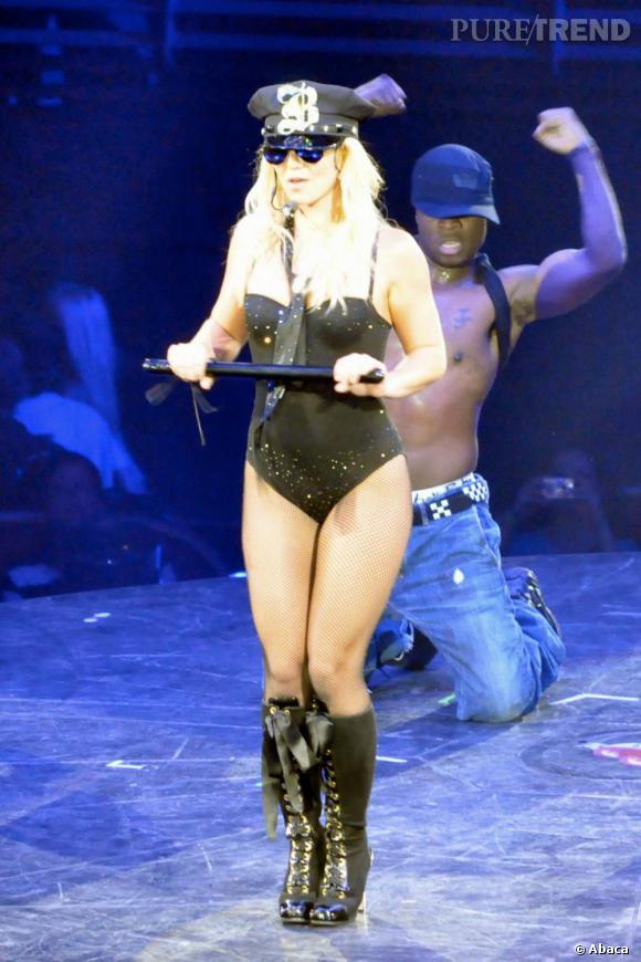 La donne est claire. Britney est de retour, plus sexy que jamais, et n'hésite pas à se costumer.