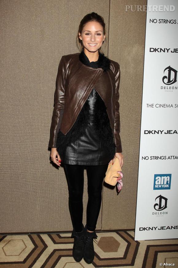 Look robe noire chic