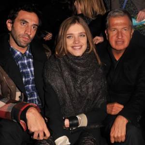 Natalia Vodianova aux côtés de Mario Testino, à droite et Riccardo Tisci, à gauche.