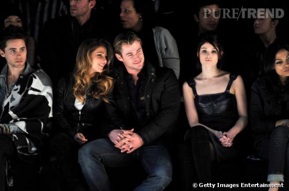 De gauche à droite au défilé G-Star : Jared Leto, Elsa Pataky et son mari et la nouvelle égérie de la maison Gemma Arterton.