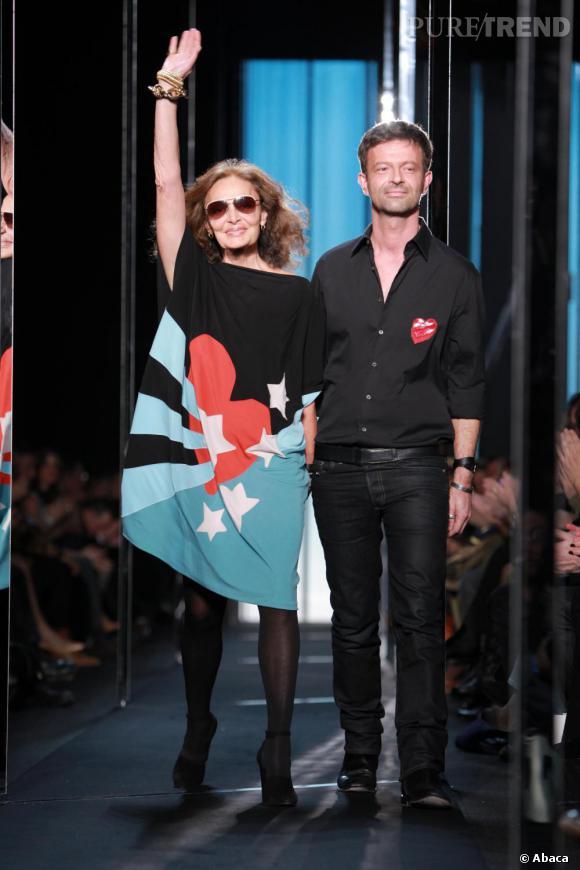 Diane von Furstenberg et Yvan Mispelaere, directeur artistique de la maison, à la fin du show Diane Von Furstenberg.