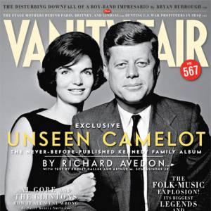 Pour le numéro de novembre 2007 place au rétro avec une photo de 1961, le couple John F. et Jackie Kennedy.