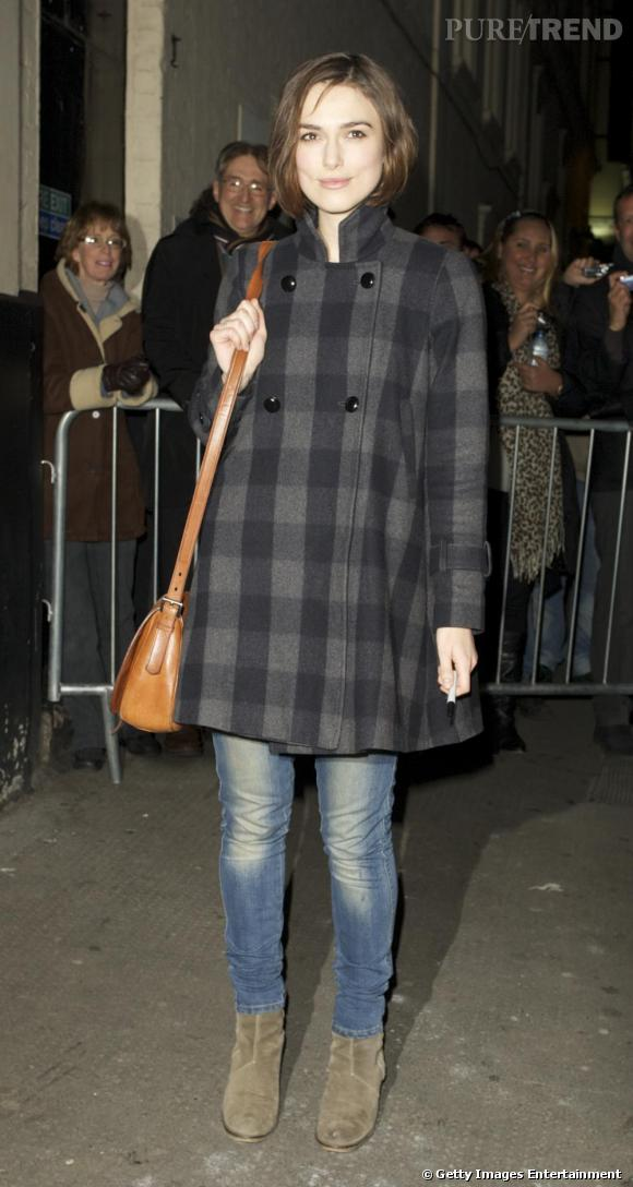 Keira Knightley en balade dans les rues de Londres.