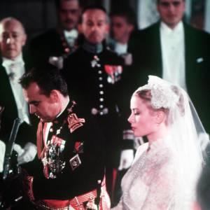 En 1956 Grace Kelly et Rainier de Monaco se marient sous les yeux du monde entier.