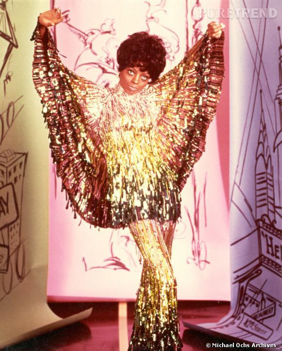 """En 1970 Diana Ross entame une carrière solo et se voit sacrée en 1976 """"Artiste féminine du siècle"""" par le Billboard Magazine."""