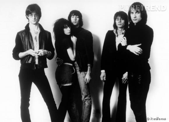 Les femmes aussi trouvent leur place dans le mouvement musical des 70's comme Patti Smith avec le Patti Smith Group.