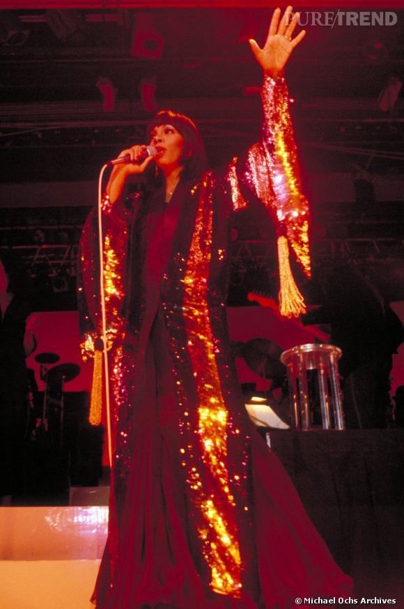 Donna Summer s'impose comme une véritable reine du disco.