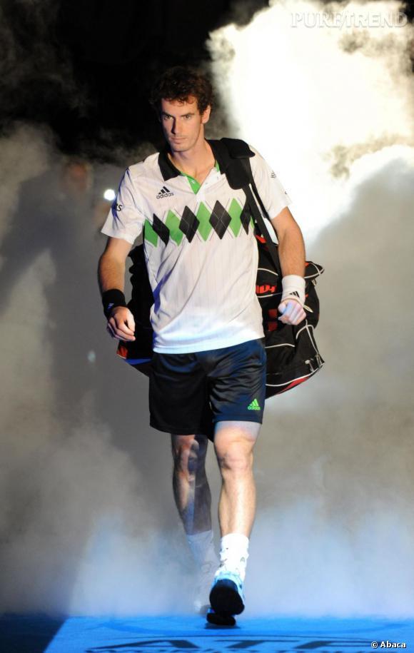 Le style des joueurs de tennis   :  Andy Murray, le british qui contente la Queen.  Signe particulier ? Il adore les losanges et logiquement l'imprimé jacquard.