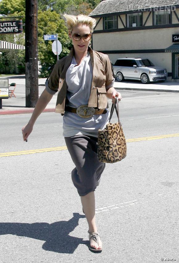 Katherine Heigl plutôt à son avantage dans les rues de Los Angeles.