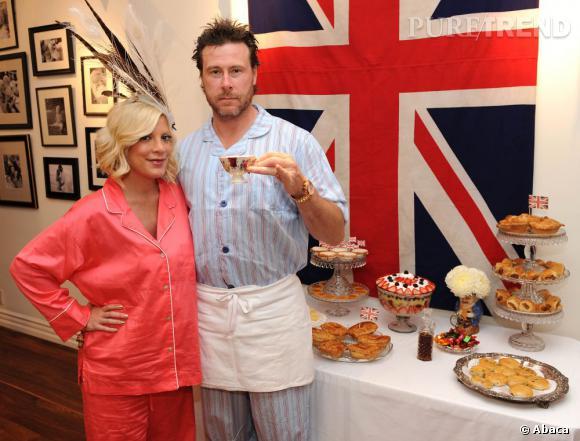 Tory Spelling et son mari Dean McDermott lors de leur pyjama party spéciale Britain.