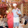 Tori Spelling et son mari Dean McDermott lors de leur pyjama party spéciale Britain.