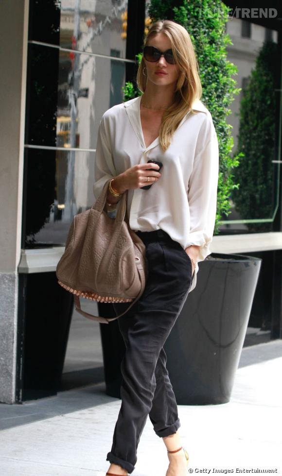 Rosie Huntington-Whiteley dans les rues de New York.